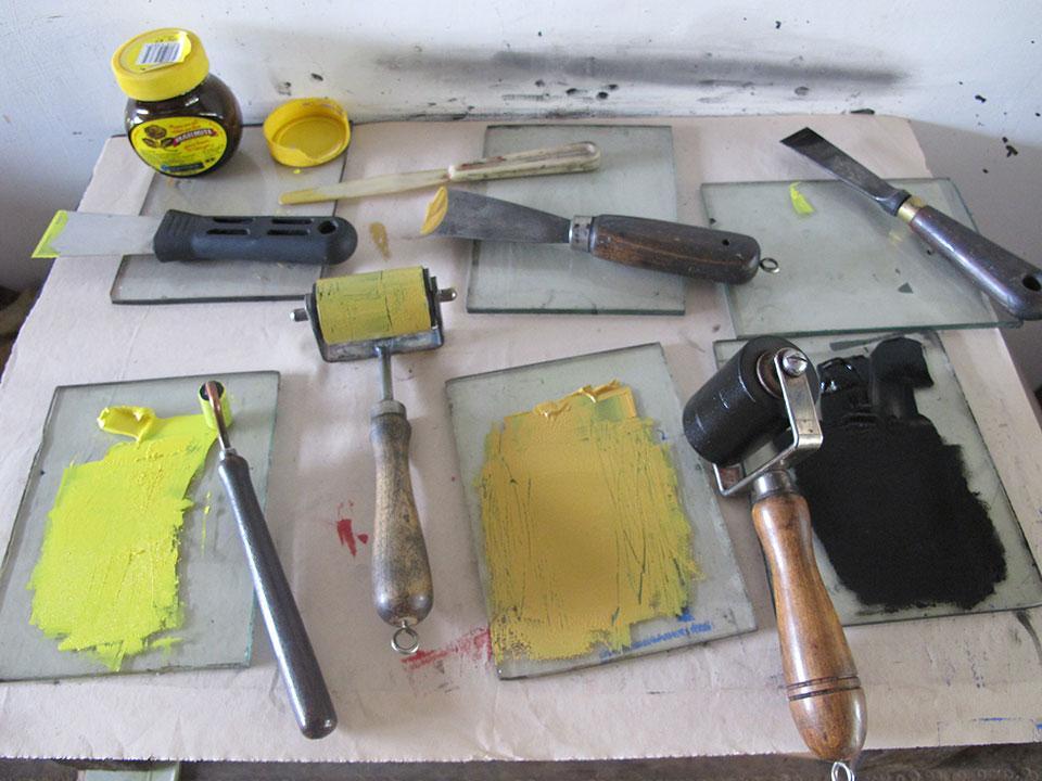 mixing-ink-for-intalgio-printing.jpg
