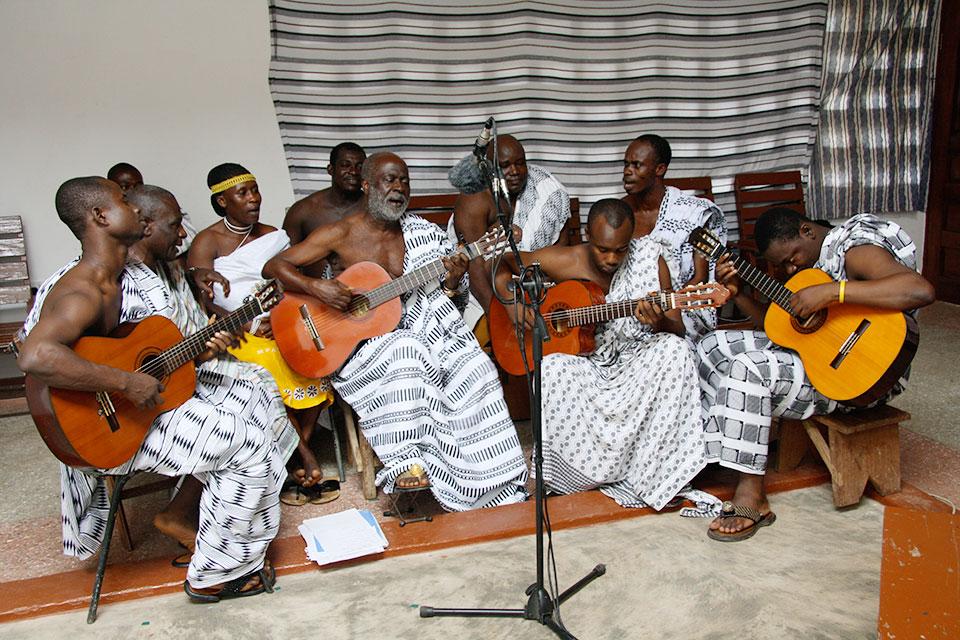 musicians-adadam-agofomma-roots-ensemble.jpg