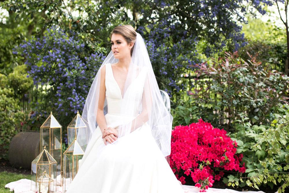 London modern bride