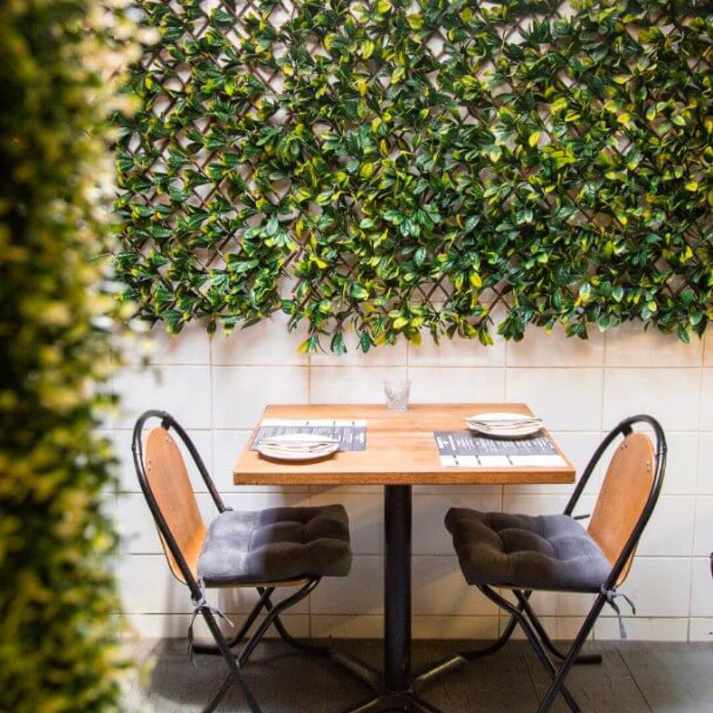 Italian restaurant table for 2