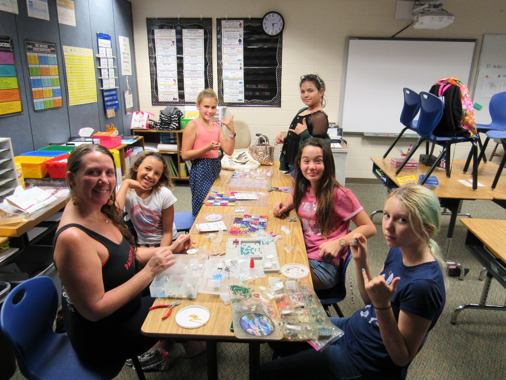 after school programs - After School programs are offered free for all children grades 1-6. Mentors are always needed to offer activities! Know your passion? Come share it with the keiki.