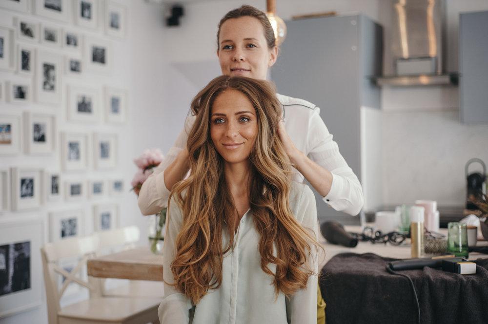 BEAUTE - Coiffeurs, barbiers, maquilleurs, manucures, tous nos Popartistes sont rigoureusement sélectionnés et formés pour répondre à vos demandes multiethniques (animation, grooming, préparation VIP).
