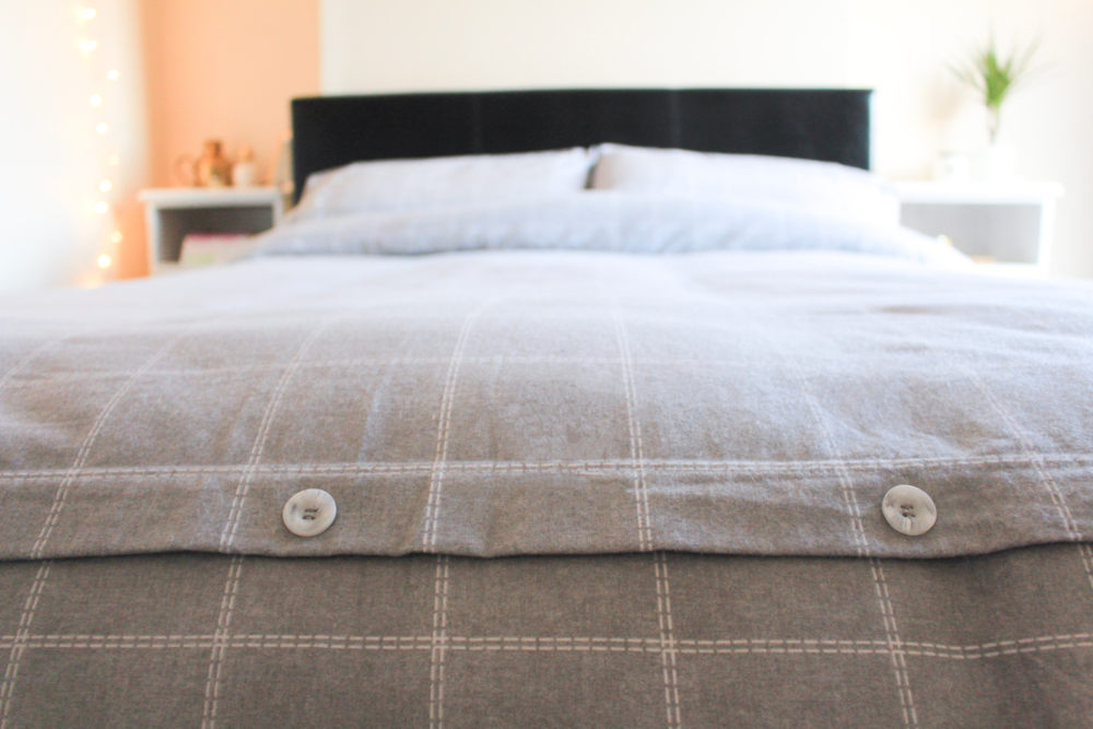 J.D. William's Grey Check Bedding