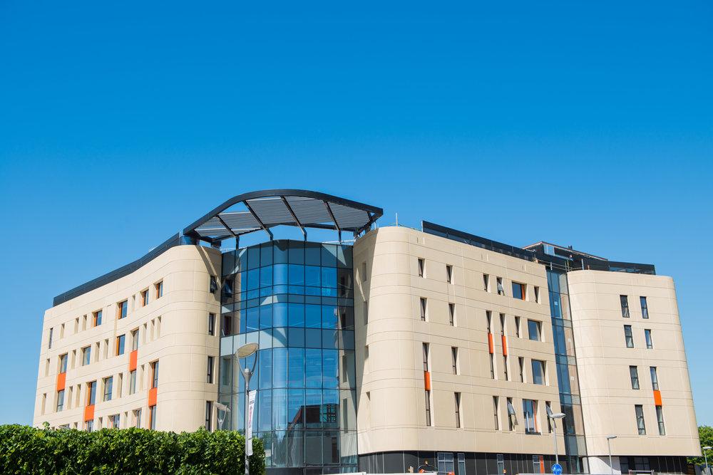 Allam Medical Building Landscape UNI-0527.jpg