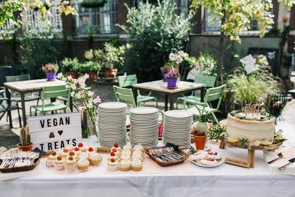 vegan zoete tafel taarten van jansen