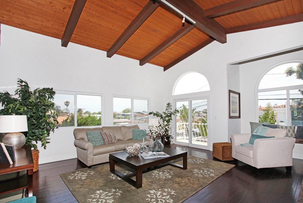 1719 Dixon Ln, Redondo Beach 90278