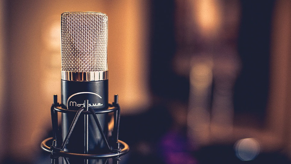 Voice Over -