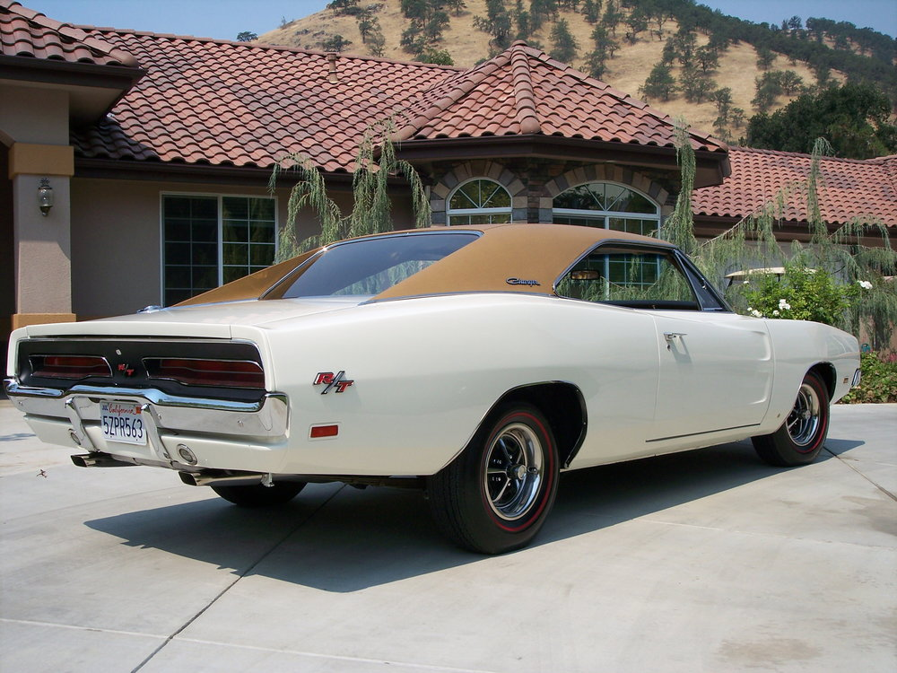 Charger-1969-white-tan .jpg