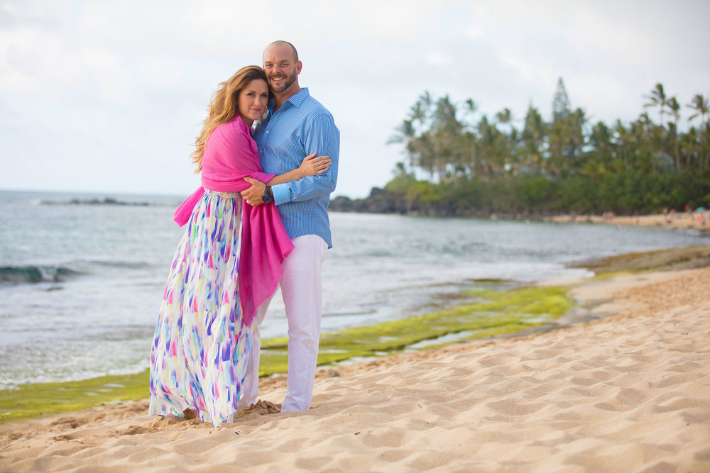 waikiki beach oahu couples anniversary portait photo session