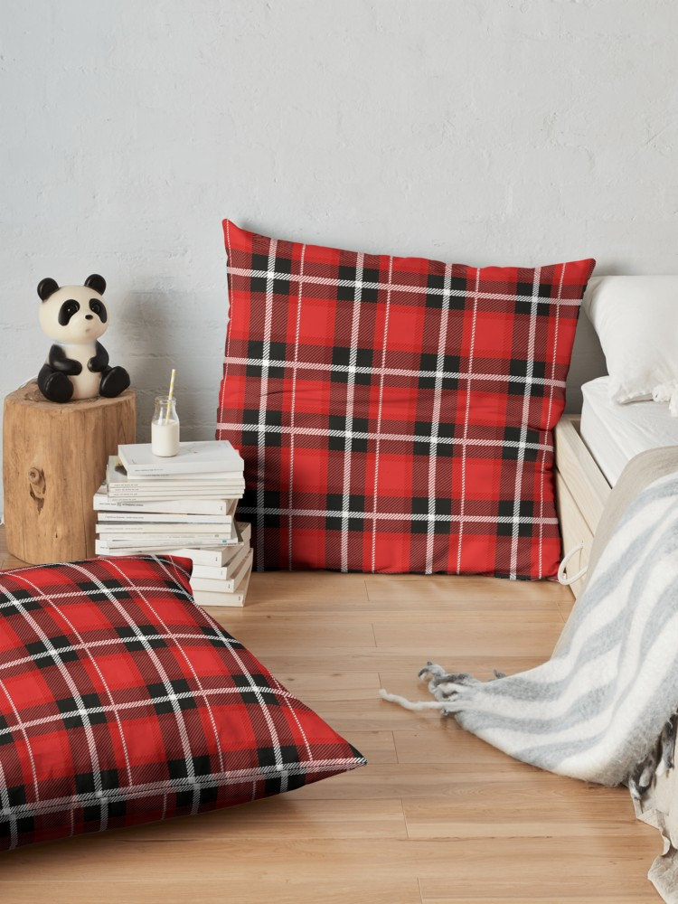 Plaid is the perfect pattern for all winter long. Love this as a decor option even if I feel like a lumberjack