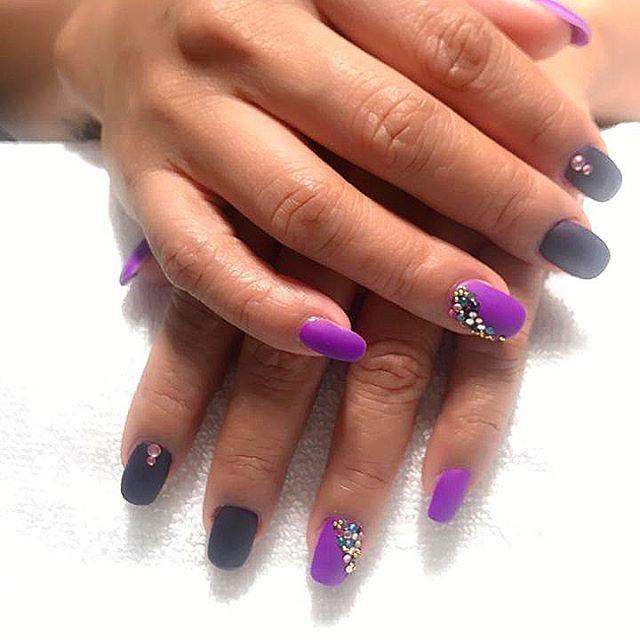 Gelish & nail design by Marjorie 💅 . . . #naildesign #moroccanbath #ladiessalondubai #dubaisalon #dubaiprivatesalon #dubailadiessalon #manicure #nailideas #nailswag #gelish #gelishnails #nailart #nailartist