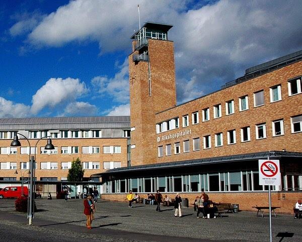 I anledning diskusjonar nedlegging av Ullevål og etablering 2 nye bygg (Gaustad og Aker). Skulle det vore svært bra og høyre meir om klimavennlige tiltak i utforming av bygg eller restaurering av gamle (Ullevål). Universitetssykehuset Nord-Norge (UNN) er sertifisert som Grønt Sjukehus 👌🏻Dei tek hensyn til mange ting, bla. ✅CO2 utslipp ✅sparetiltak med energi transport, vann ✅gjenbruk ✅bedre sortering osv.  Me blir imponert! Og gleder oss til å høyre kva Oslo kan bidra med ved sin omstrukturering av store helsebygg, og bli sertifisert som Grønt Sjukehus 🗒