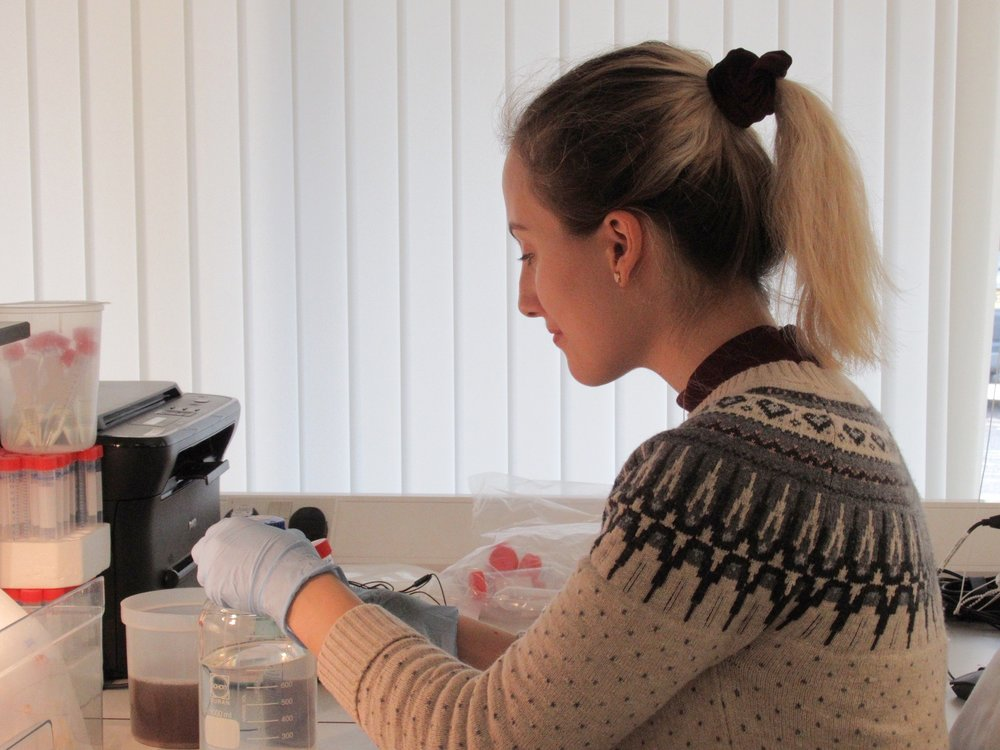 Lyssa Gold  Research Technician   A recent graduate of the University of St. Andrews, Lyssa work on our potato projects, developing bacteriophage mixes for the European market.