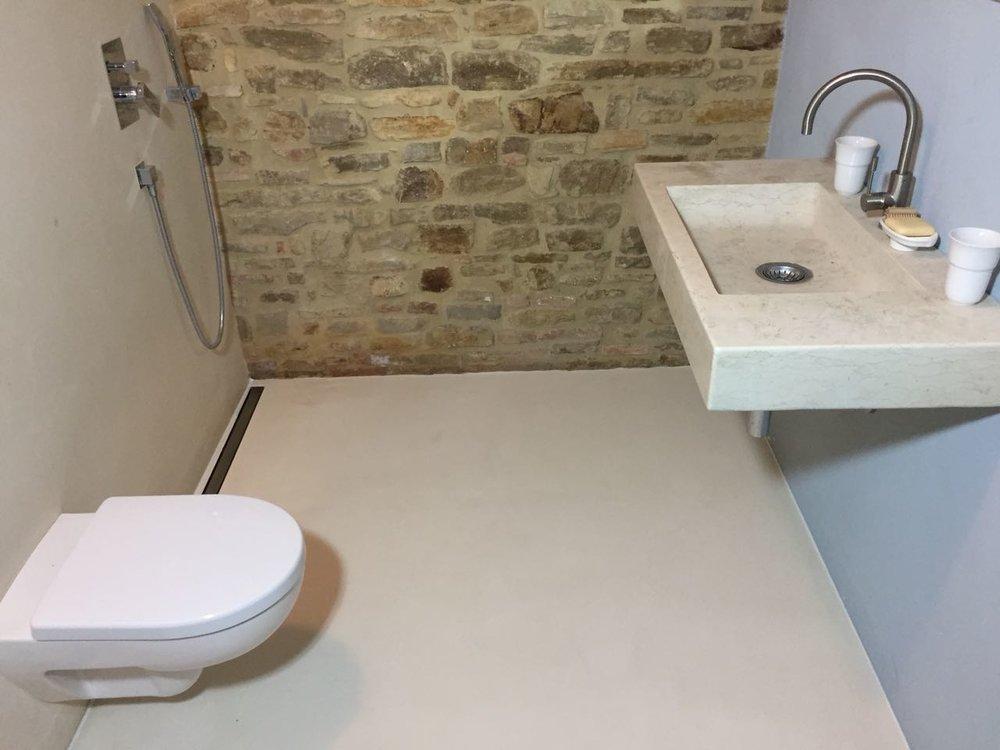 Badezimmer mit Kalk gestaltet