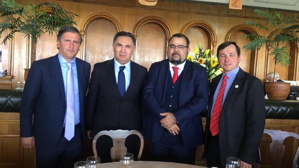 Dr. Uziel Santana, Secretariat IPPFoRB Latin America in Santiago, Chile with memberS of IPPFoRB Chile.