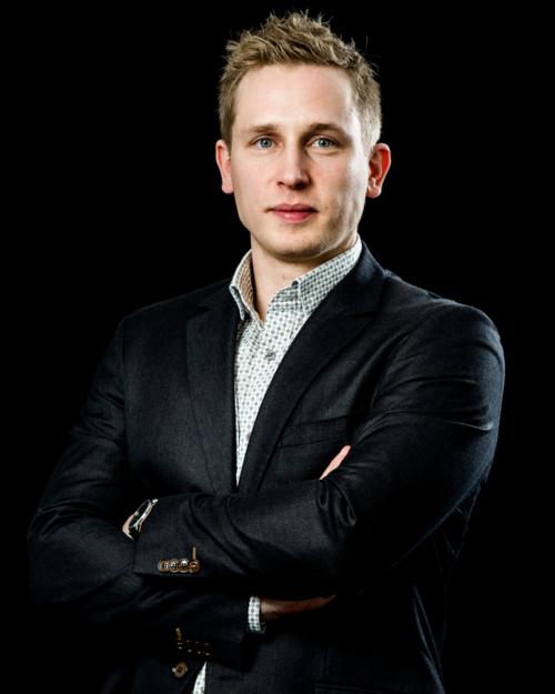 Rasmus Hasenfuss Barner er sikkerhedsrådgiver hos det danske sikkerhedsfirma Imprisec. Han har tidligere været hos både Accenture og PwC.