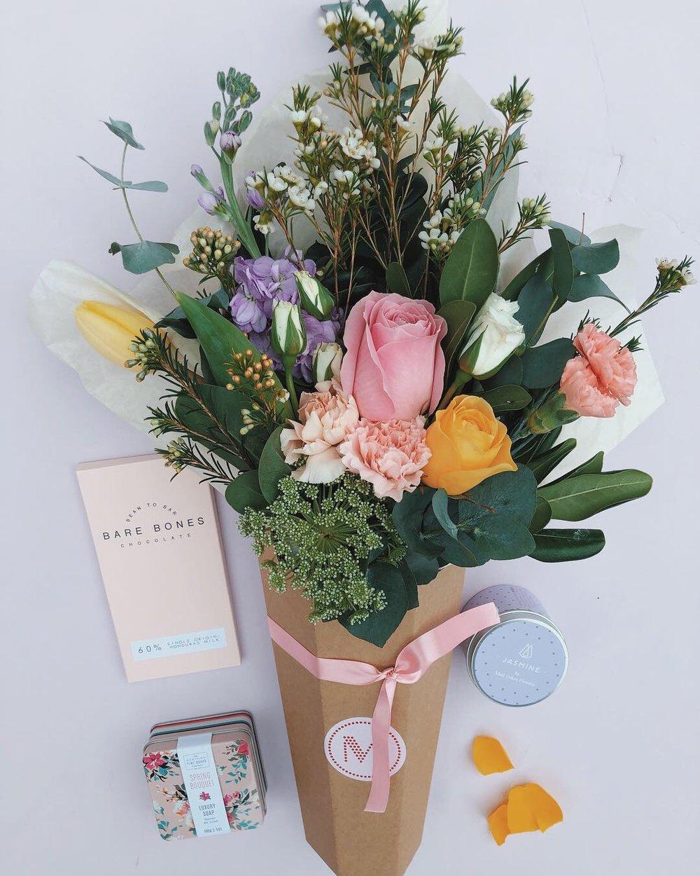 Little bouquet - Shop Now