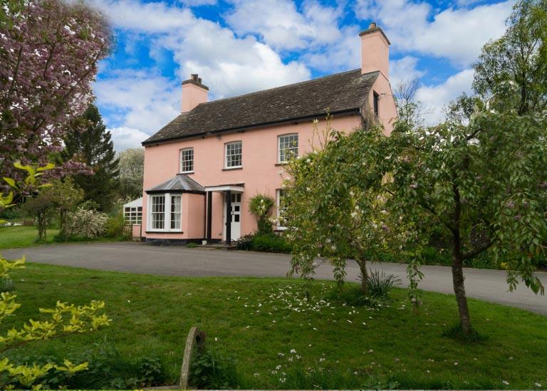 Gilestone-farmhouse-holiday-home-in-Brecon-Beacons-close-to-pub.jpg