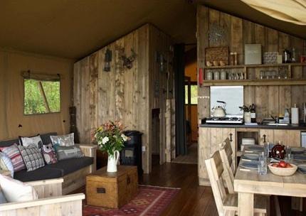 Spacious Safari Lodge in the Brecon Beacons