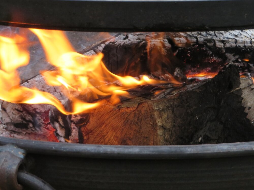 Fire-pit-at-Gilestone-luxury_glamping.jpg