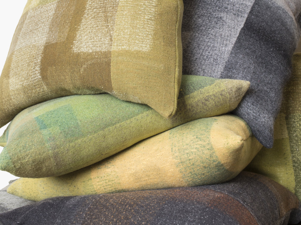 EF_Web_Lo_Pillows_M_chartreuse_2.jpg