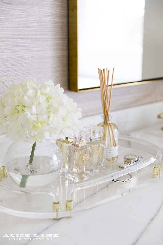 Ivory Lane Master Bathroom | Alice Lane Interior Design | Photo by Nicole Gerulat