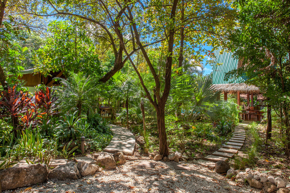 LOW - Casa las Brisas -  Jardines016.jpg