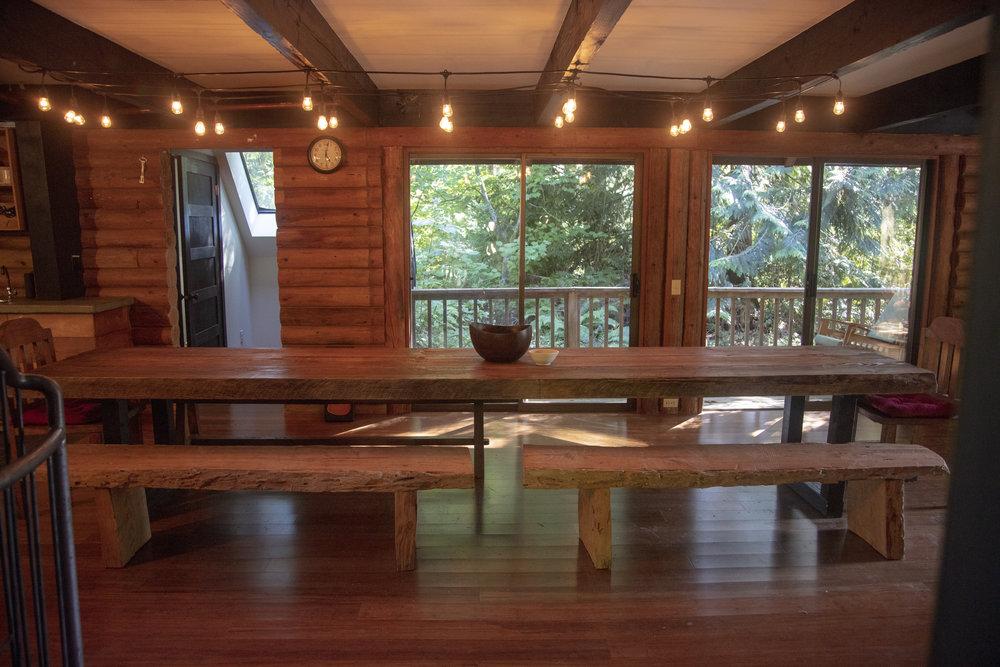 Dining_Table_Rockland_306.jpg