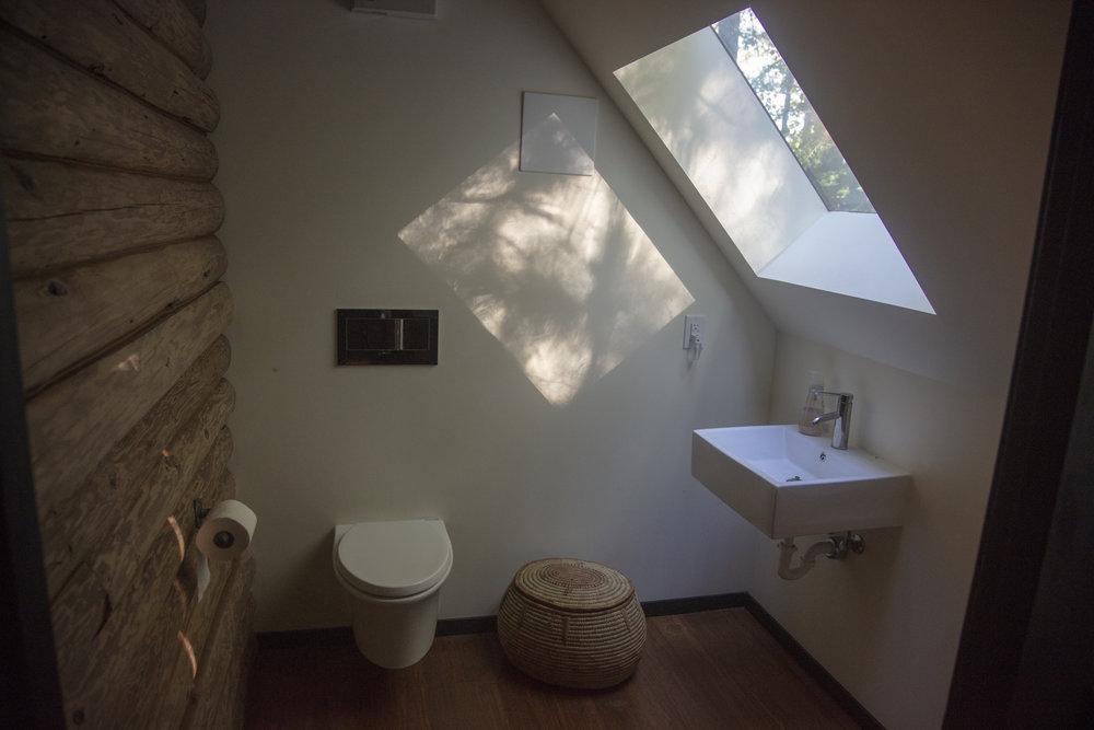 Bathroom_Main_Rockland_381.jpg