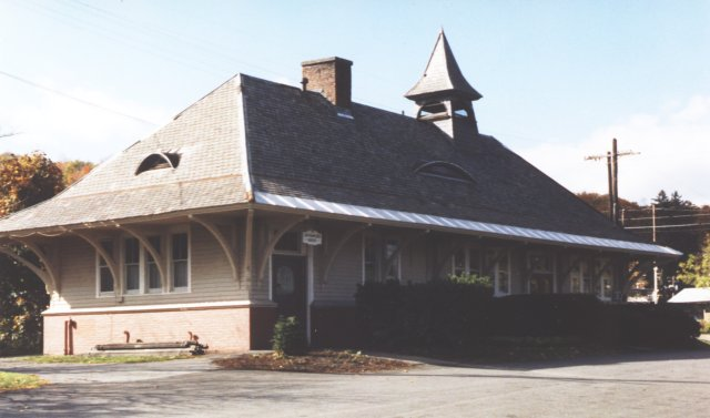 """Altamont from the parking lot (or street) side. Although the Altamont and Cambridge stations are roughly the same size, Cambridge and Westport have living quarters (or at least a room) in the attic, while Altamont does not. The """"eyebrow"""" windows are smaller than the ones on the Cobleskill depot."""