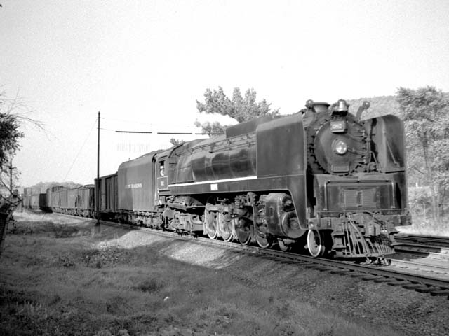 D&H 302 TYPE:  4-8-4  CLASS:  K  DATE:  10/1/47  LOCATION:  Whitehall, NY  NOTES:  Southbound freight approaching passenger station. Built by Alco-Schenectady in 1943, Sold to Luria in October, 1952.  PHOTOGRAPHER:  Jim Wright