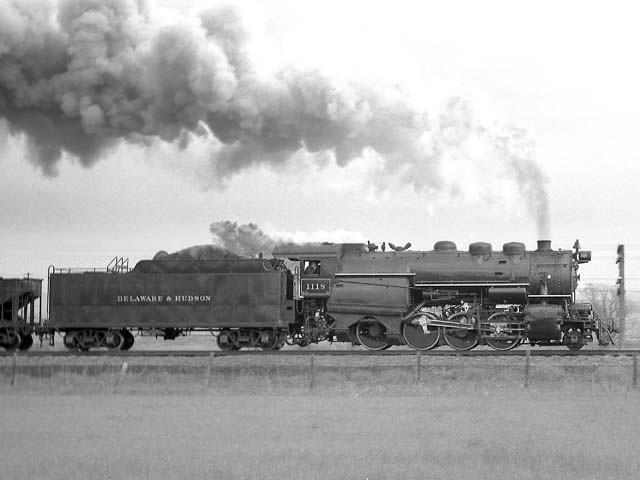 D&H 1118 TYPE:  2-8-0  CLASS:  E-5a  DATE:  11/1/47  LOCATION:  N of Dunhams Basin, NY  NOTES:  On work train.  PHOTOGRAPHER:  Jim Wright