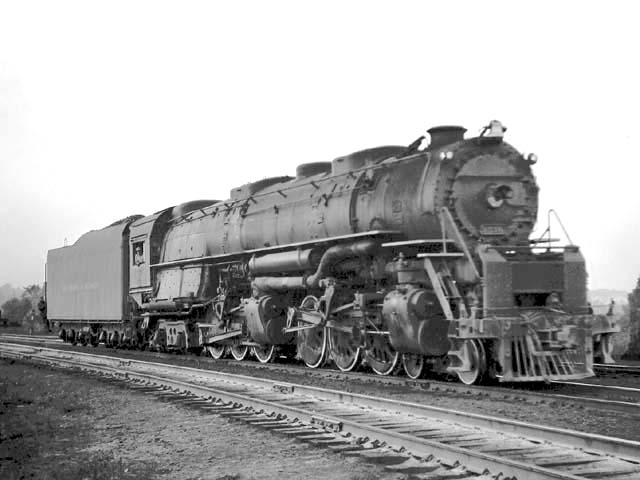 D&H 1516 TYPE:  4-6-6-4  CLASS:  J  DATE:  10/1/47  LOCATION:  Glendale, NY  NOTES:  Near Mohawk Yard.  PHOTOGRAPHER:  Jim Wright