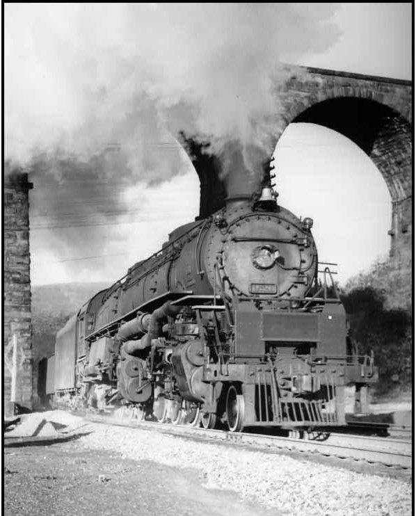 D&H 1526 TYPE:  4-6-6-4  CLASS:  J  DATE:  1948  LOCATION:  Lanesboro, PA, under Starrucca Viaduct.  NOTES:  The Challengers began joining the D&H roster in 1940 were part of a family sired 14 years earlier in the creative minds of American Locomotive Company and Union Pacific motive power engineers. J.R. Quinn Photo/ The ALCo Collections . Obtained from CompuServe TrainNet and used by permission.