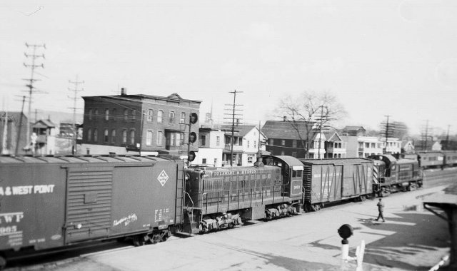 D&H 3003  Mechanicville, NY.  Photograph collection of Scott J. Whitney.