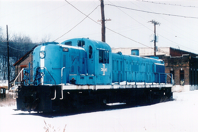 D&H 4075 (1st)  After being traded to the B&M for #1508, the #4075 was renumbered to B&M #1547. At Mechanicville on a cold February day in 1981.  Photo and scan by Neil C. Hunter.