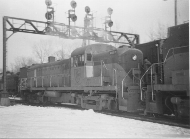 D&H 4105  Working in the snow.  John Shaw collection.