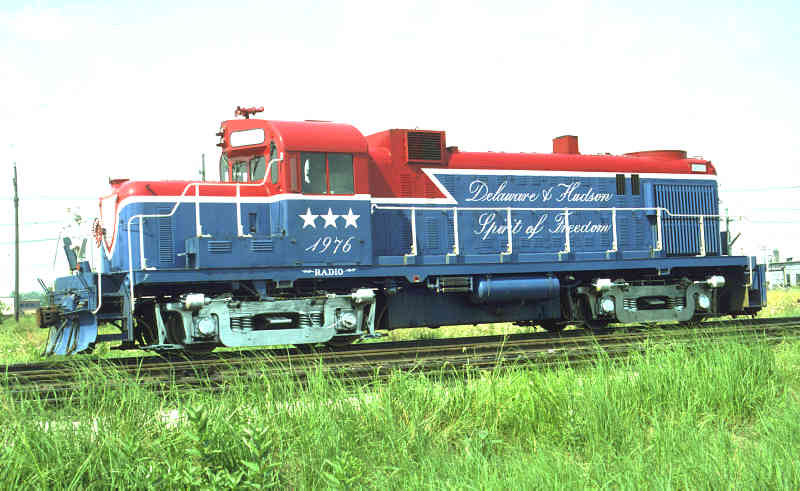 D&H 506 (1976)  Along with U23B #2312, RS-3m was painted into a Red, White and Blue scheme to commemorate the Bi-Centenary of the U.S.A. in 1976. The loco was renumbered 1976, and returned to its original number (506) after the Bi-Centenary celebrations.  George Elwood photo