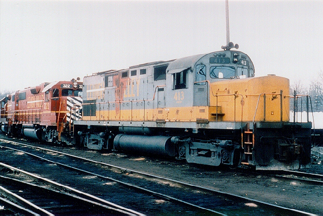 D&H 413  Not long after 'Conveyance Day', C420 #413 sits at Mechanicville, still in its previous owners colors -- note the hurriedly applied D&H logo on the nose and the white line striking through 'Lehigh' on the side.  Bill Mischler photo