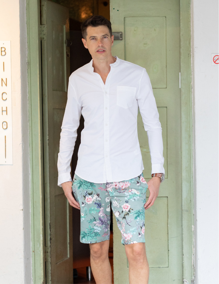 Classic Fit Shorts - Made in cotton or cotton with a bit of stretch for added comfort. Same great pattern that can be worn just as easily with a T shirt or shirt.
