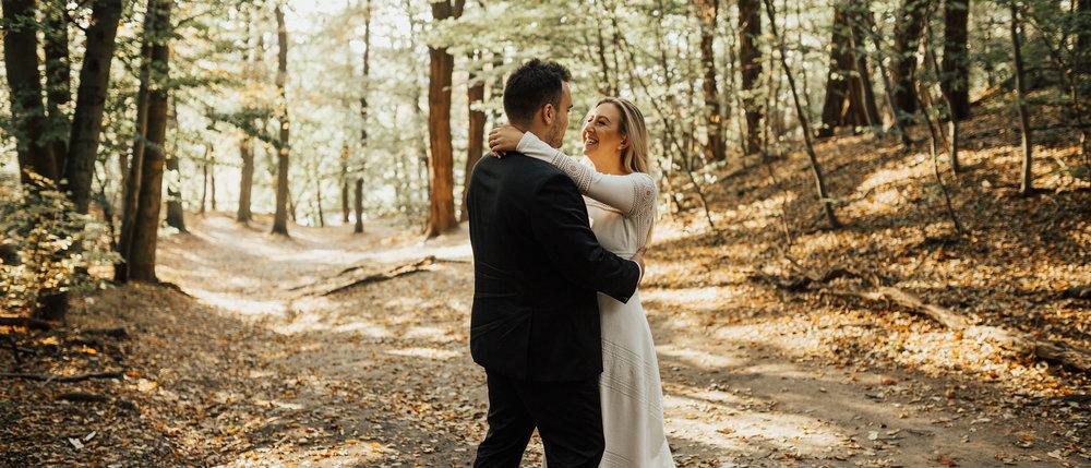 Ula & Marcin Cinematic wedding film - Tym ciepłym październikiem życie zaprowadziło nas na sam zachód Polski, gdzie poznaliśmy wspaniałą parę, Ulę i Marcina i staliśmy częścią ich wielkiego dnia!
