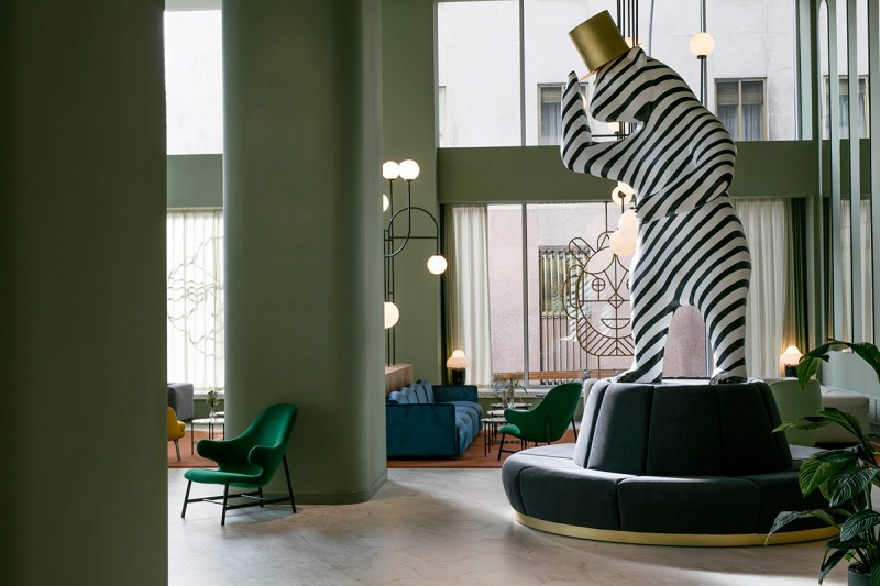 Hotel Barceló Torre de Madrid by Jaime Hayon reception - zebra striped bear