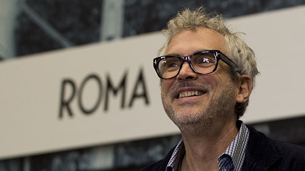 Alfonso Cuaron Wins The Dga For Roma Well Positioned To Win