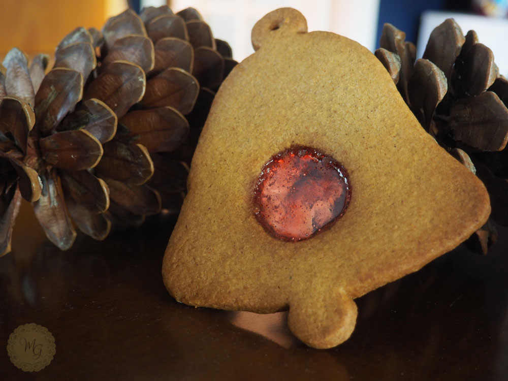 watermak-bell-biscuits-3