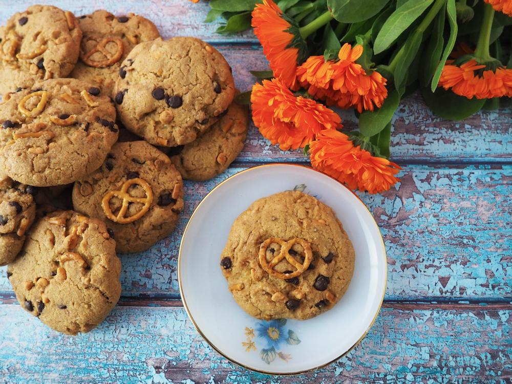 pretzel-caramel-cookies-1.jpg