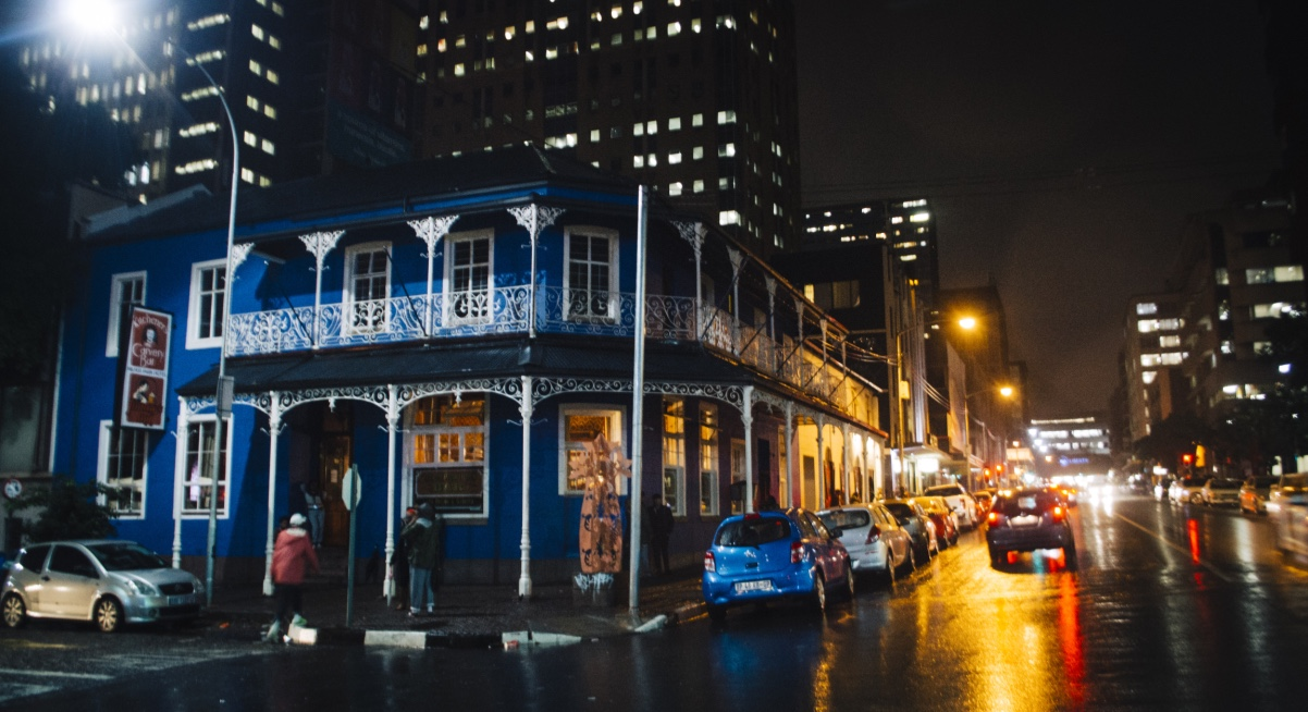 Joburg Night life - USE Kitcheners Carvery Bar - De Beer Street