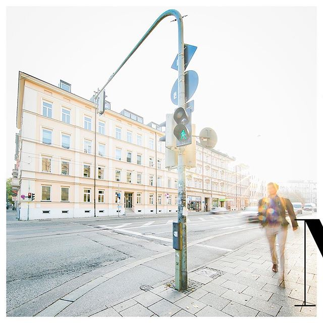 Similar, but this time with a green light and a walking man. Inverted to catch more interest.⠀ •⠀ •⠀ •⠀ •⠀ •⠀ #München #MUC #morningjog #jogging  #travel #Travelgram #traveling #Travelphotography #travelling #traveller #TravelAwesome #goodvibes #goodvibesonly #GoodVibesAlways #GoodVibesAllDayEveryday #dude #lifestyle #funatwork #workandtravel #worklifebalance #balance #work #life #germany #photooftheday #love #lovemyjob ⠀  #photography #instagood