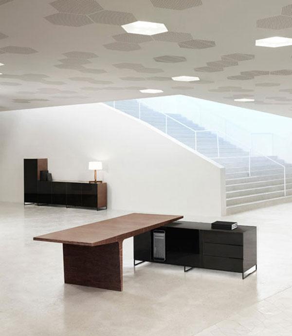 level-desk-2.jpg