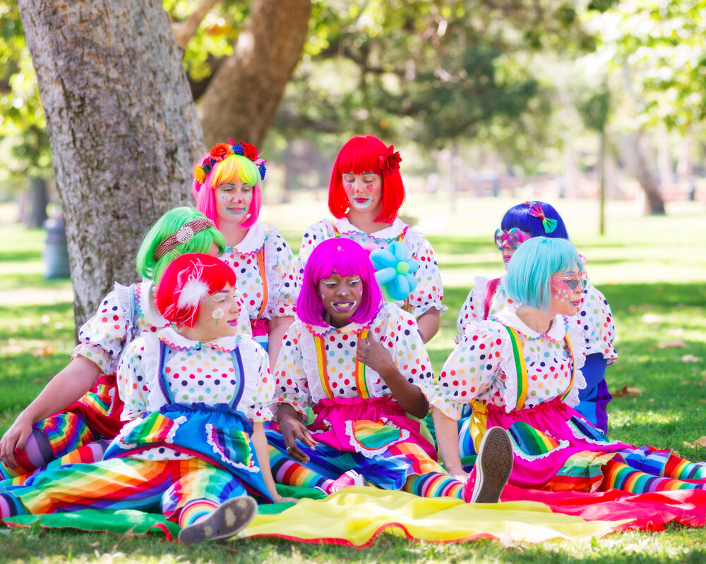 Clowns - Each performer booked separately!!!$119 for the 1st hour$35 extra 30 minutesOur most popular service, can also be booked as jeans & a Daizy teeshirt!