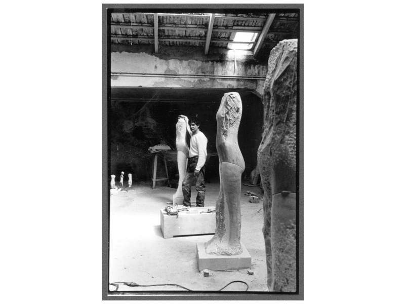 Sculptor Manuel Neri in his Carrara Italy studio, 1983, photo by Sally Larsen [ source ]